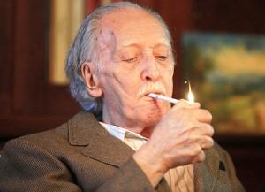 Annibal fumando